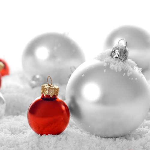 Free Christmas Balls Wallpaper for ipad 3
